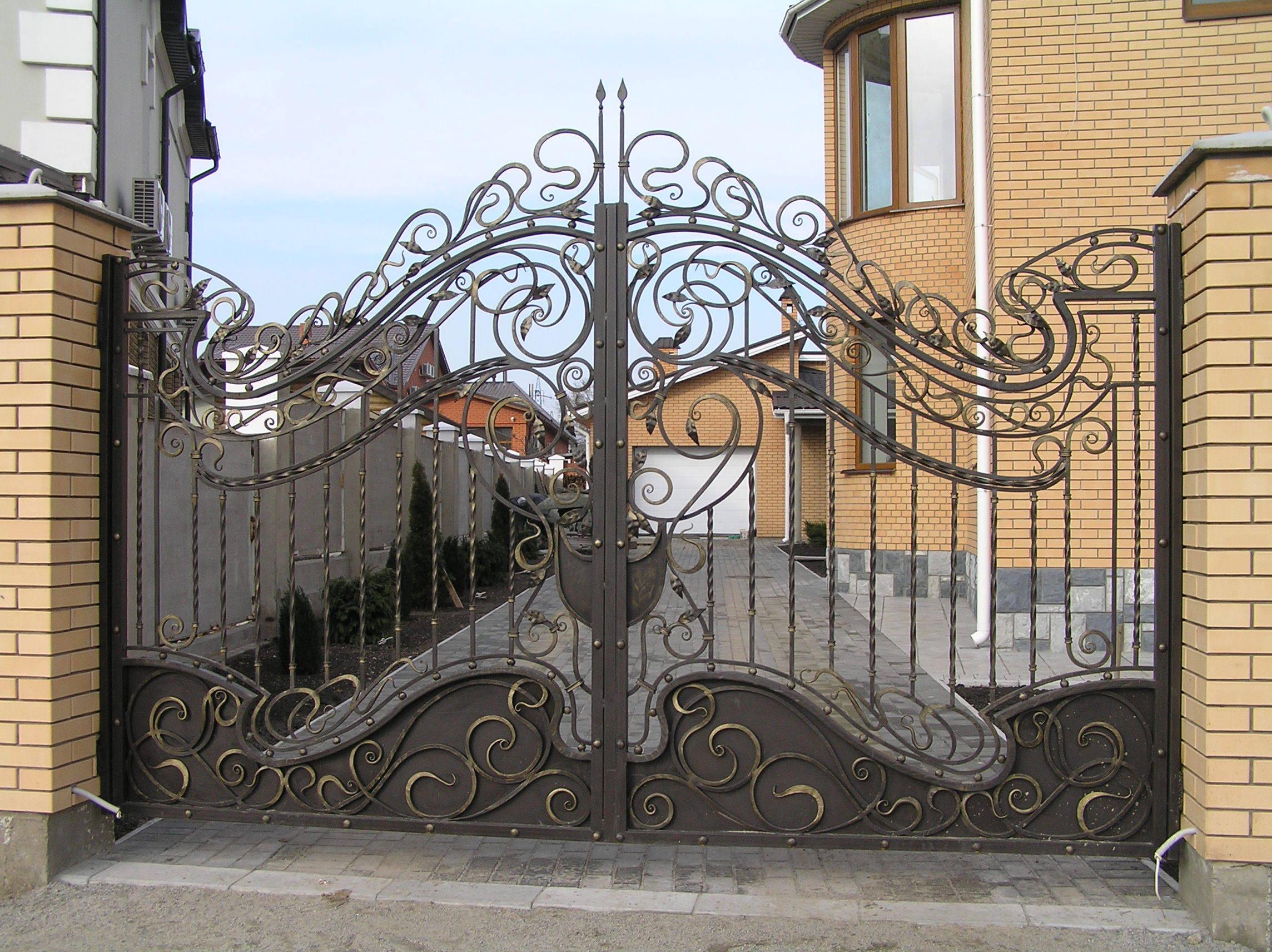 Ворота огорожі хвіртки металеві